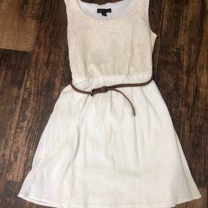City Triangle Juniors S Cream Dress w/ belt
